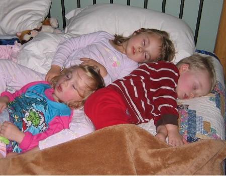 sleepy-kids.jpg